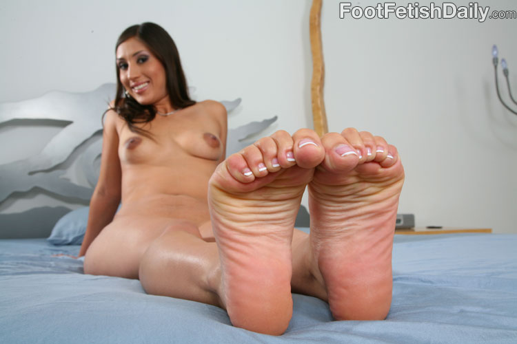 breeze foot fetish Latina alexis