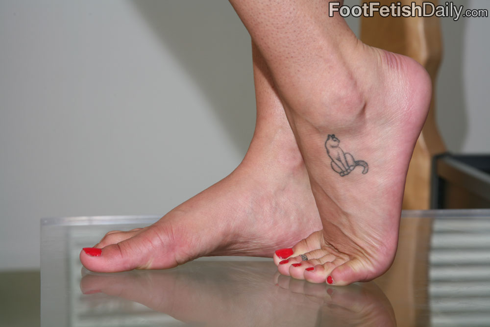 sexy girls with black toenail polish
