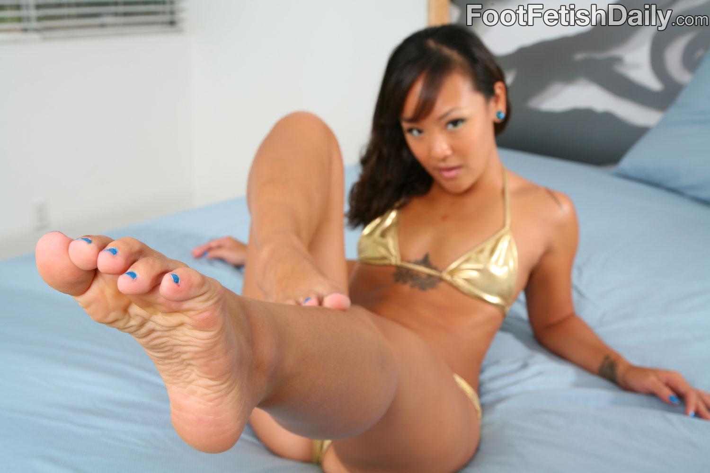 Jandi lin feet