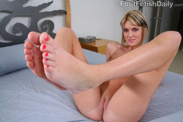 Foot worship hot blonde sucks toes